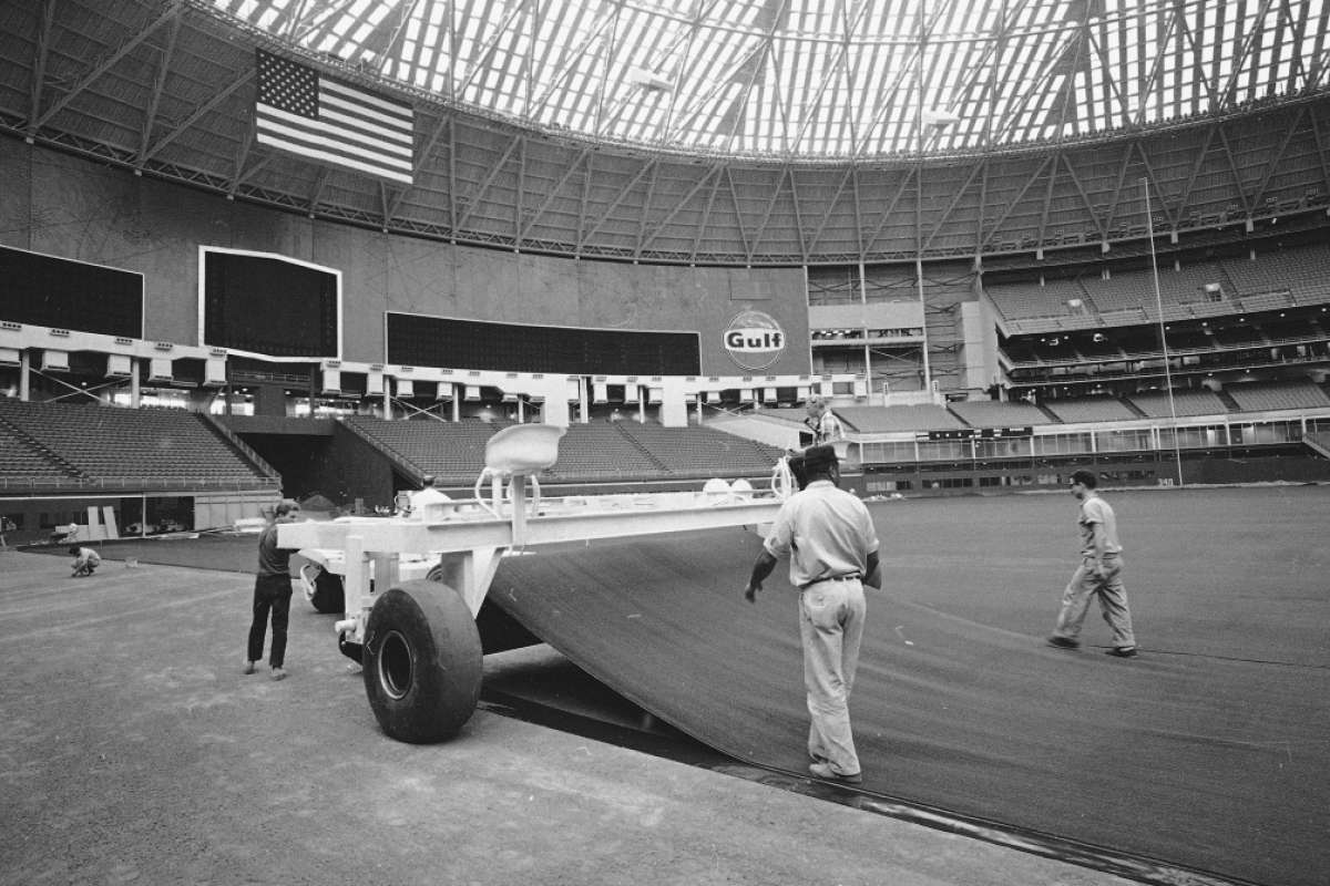 Astrodome renovation approved by the Harris County Commissioners Court